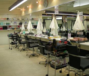 合コン前のヘアメイク Azare NEO 店内風景